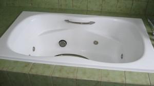 人工大理石浴槽塗装完了
